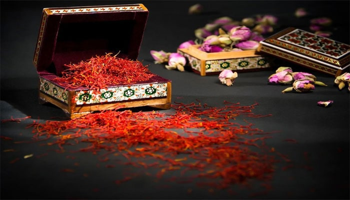 suggestions the saffron uses in cooking